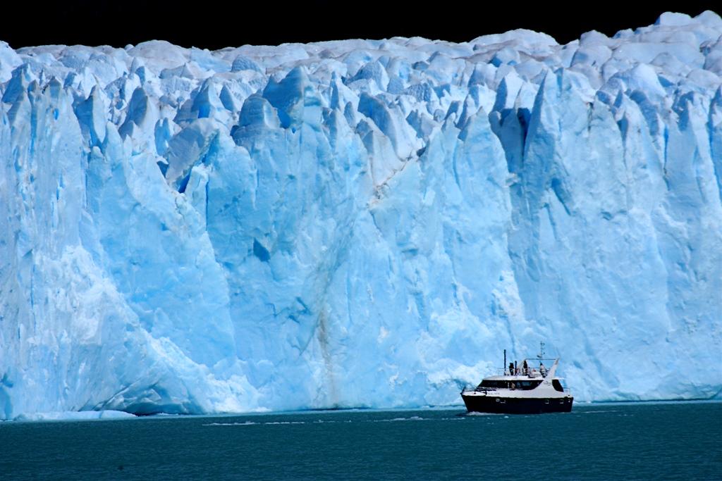 ペリト・モレノ氷河をクルーズ(4日目)