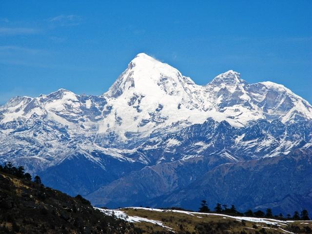チェレ峠からのぞむ女神の山チョモラーリ(7,314m)