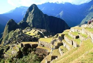 感動のフィナーレ  マチュピチュ遺跡とワイナピチュ峰(2,690m)