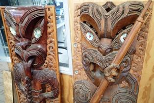 テプイアでは彫刻の見学もできる(5日目)