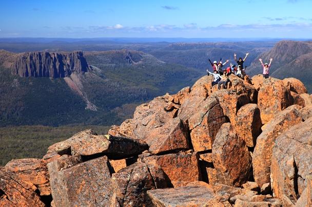 タスマニア島の最高峰Mt.オッサ(1,617m)の登頂も目指します(6日目)