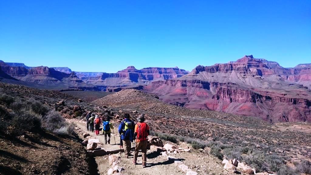 20億年の歴史が刻んだ大渓谷の中を進んでいく