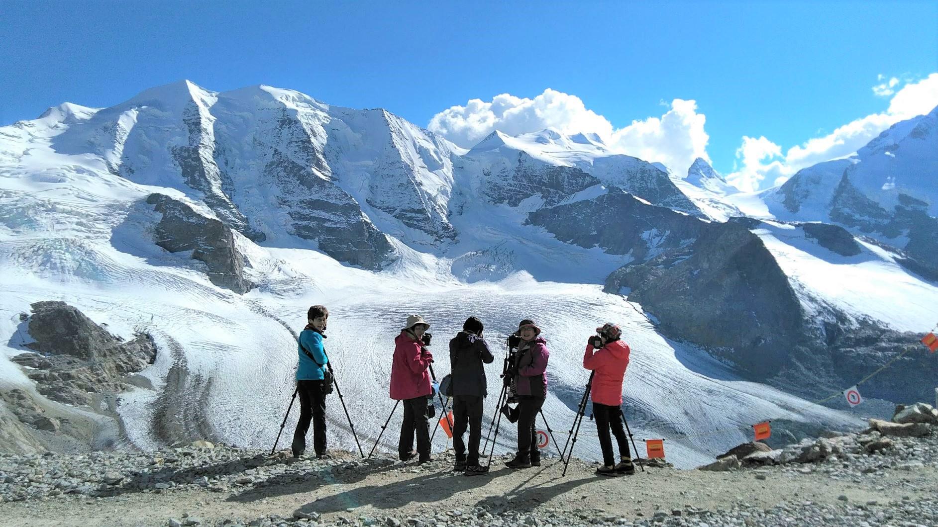 ディアヴォレッツァ展望台からピッツパリュ (3,901m)とペルス氷河を望む(6日目)