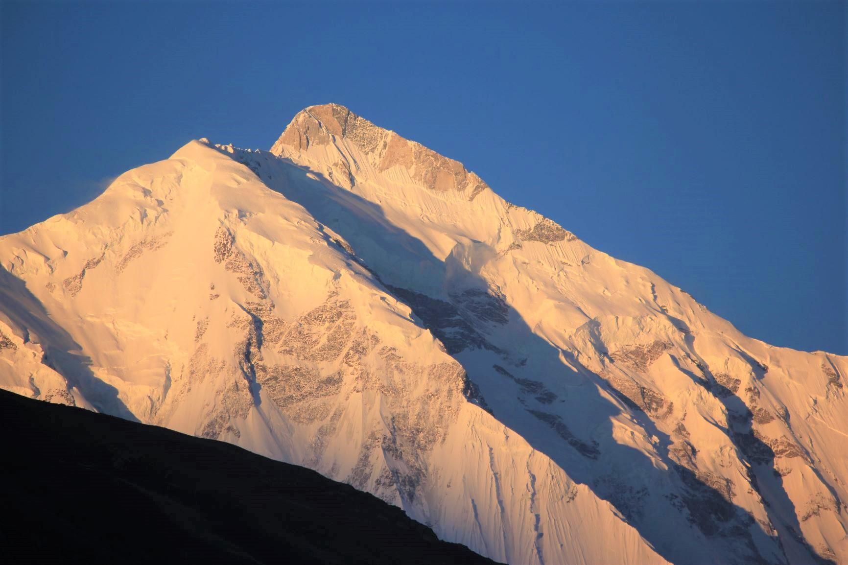 夕焼けのラカポシ(7,788m)