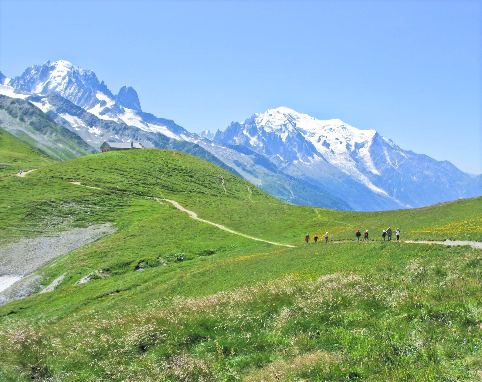 モンブラン(右4,810m)を望むバルム山のハイキング(3日目)
