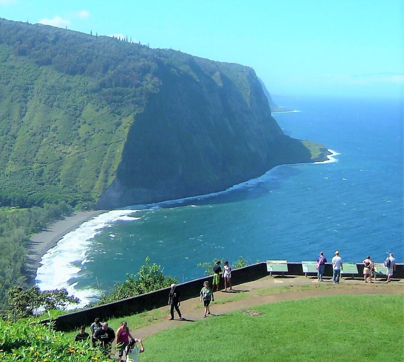 ハワイ島、ワイピオ展望台からの絶景