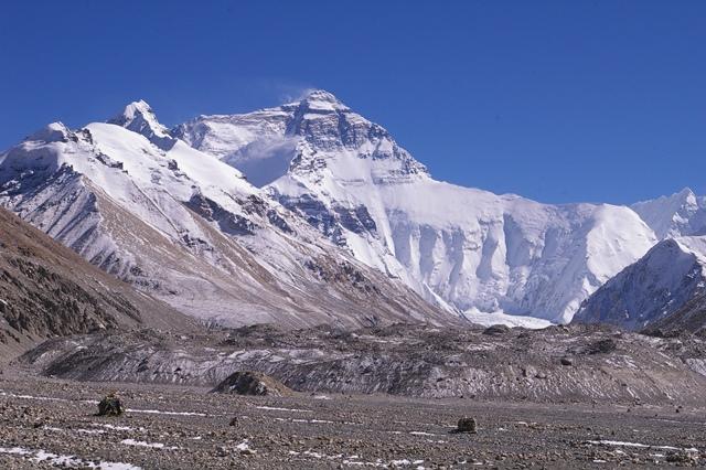 ベースキャンプからのチョモランマ(8,848m)