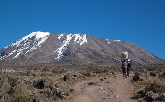 アフリカ大陸最高峰・キリマンジャロ(5,895m)