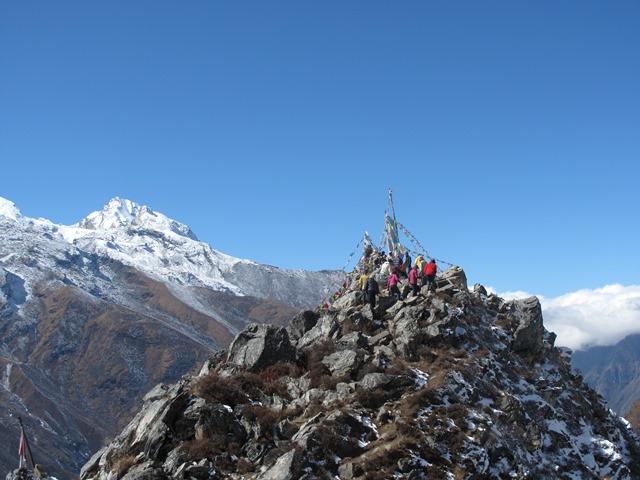 360度の眺望が広がるタルチョーピーク(4,350m)の山頂