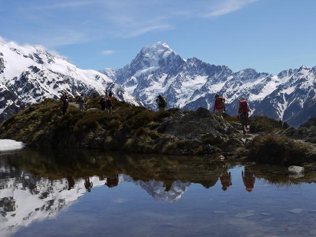 Mt.クックと氷河を正面に見るセアリー・ターンズにて(7日目)
