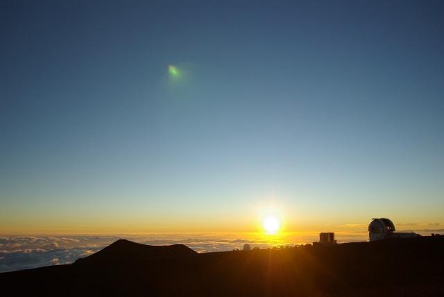 最高峰マウナケアからの美しいサンセット(ハワイ島)