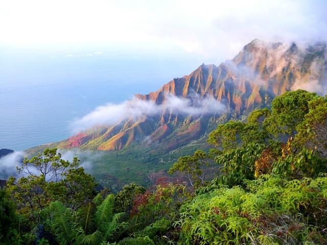 ナパリコーストの断崖(カウアイ島)