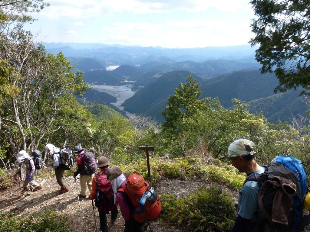 熊野川が見えると、長い山旅のゴールは近い
