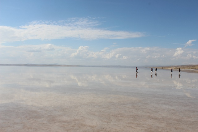 トゥズ塩湖