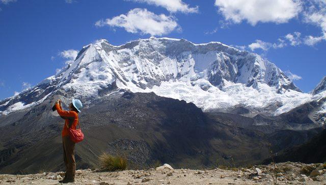 ウルタ峠からのワスカラン(6,768m)