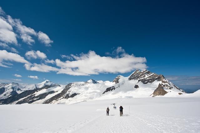 アルピニストの気分を味わえる雪原歩き