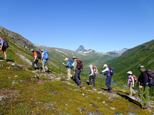 好展望の山イェンデストゥンガ峰へと登る