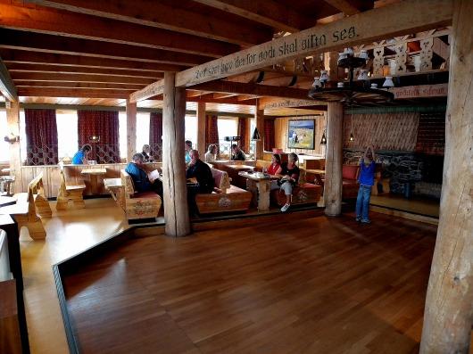 木をふんだんに使ったノルウェーの山小屋
