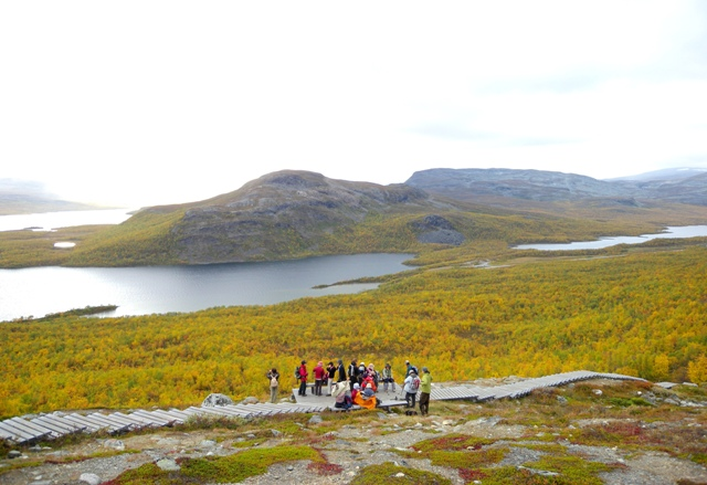 サーナ山中腹より望むキルピスヤルヴィの湖