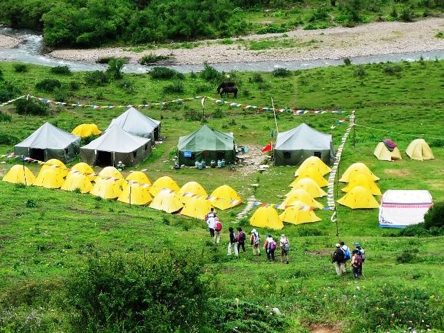 老牛園子にある快適なベースキャンプ(3,600m)