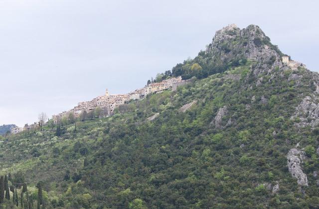 コートダジュール地方の美しい村サン・タニュス