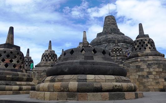 世界三大仏教遺跡のボロブドゥール