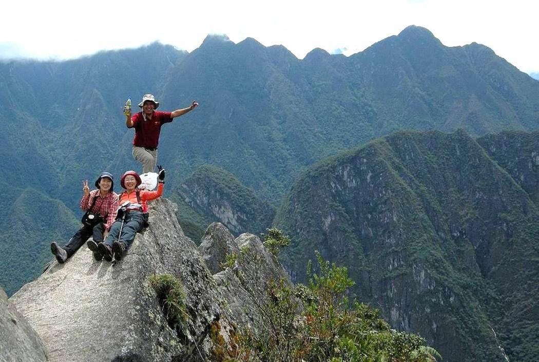 ワイナピチュ山(2,690m)の山頂
