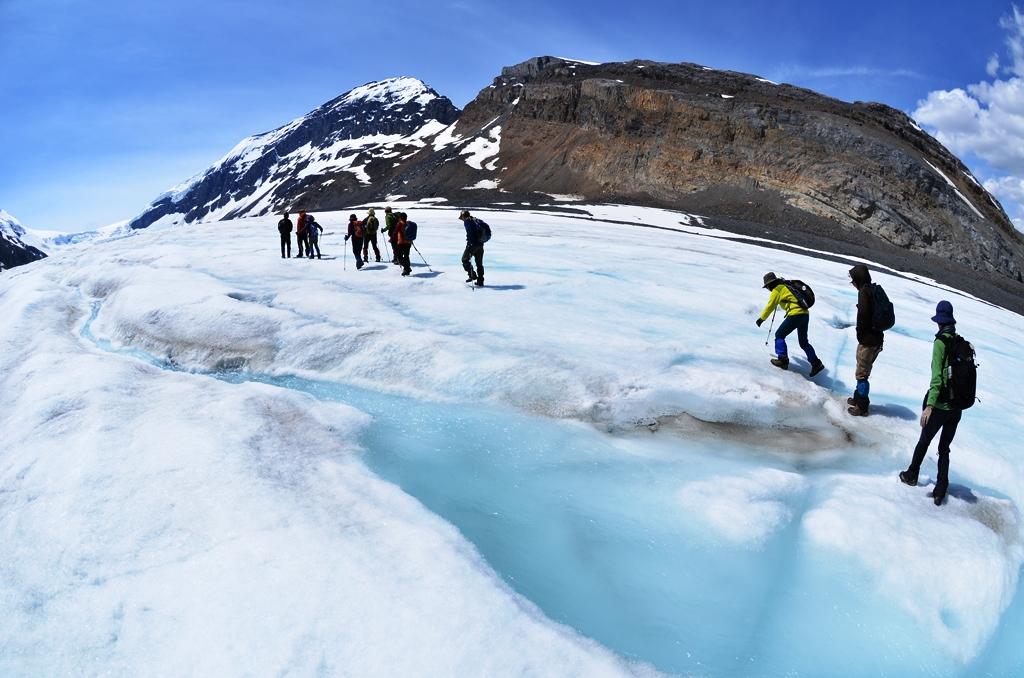 Mt.アサバスカやスノードームの絶景が広がるアイスウォーク