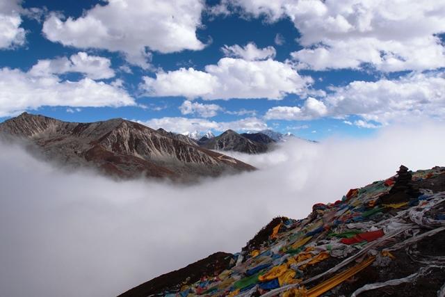 折多山(チェトーシャン)峠からミニヤコンカ山群を遠望
