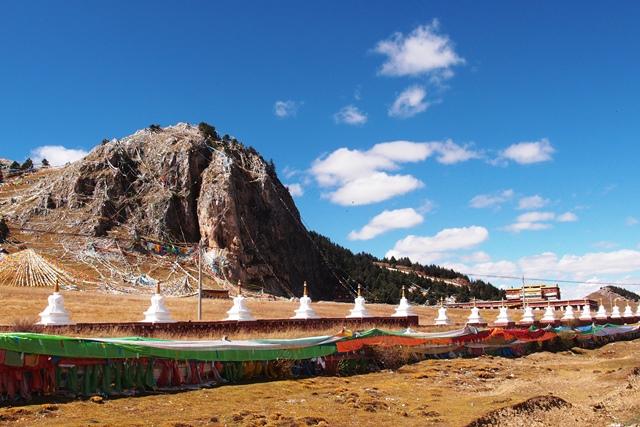 理塘(リータン)の先にあるチベットの神山