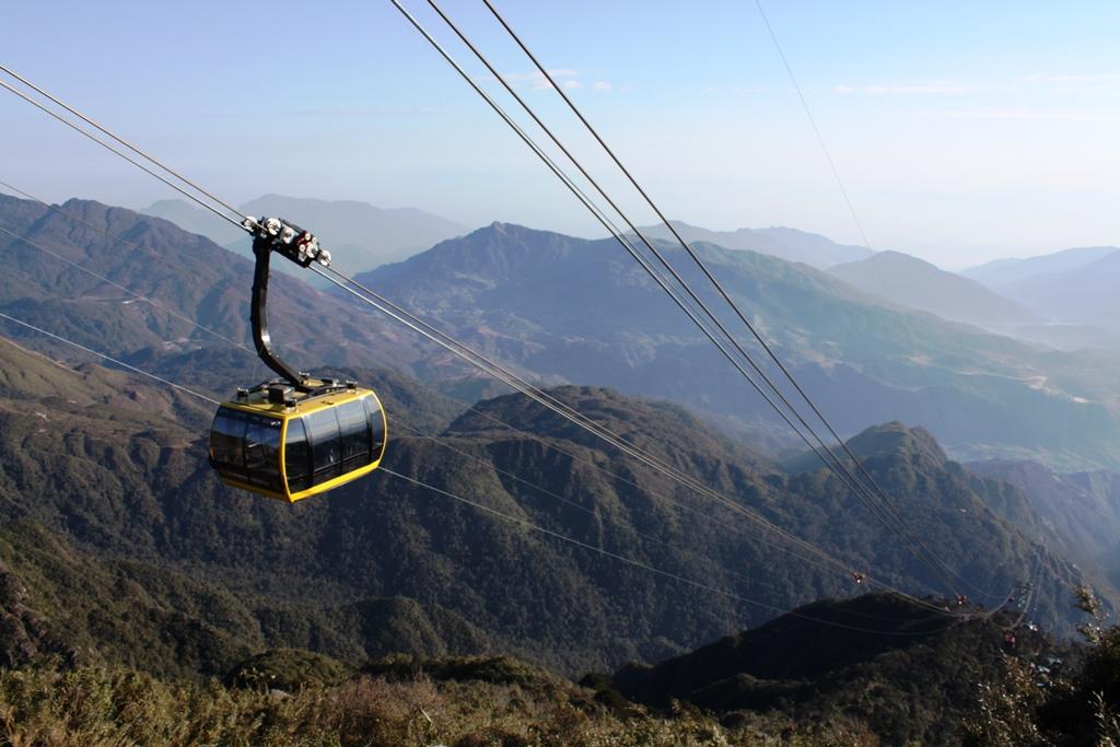 登頂後はオーストリア製のロープウェーを利用してサパへ