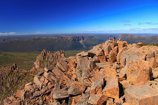 タスマニア島の最高峰Mt.オッサ(1,617m)の登頂も目指します