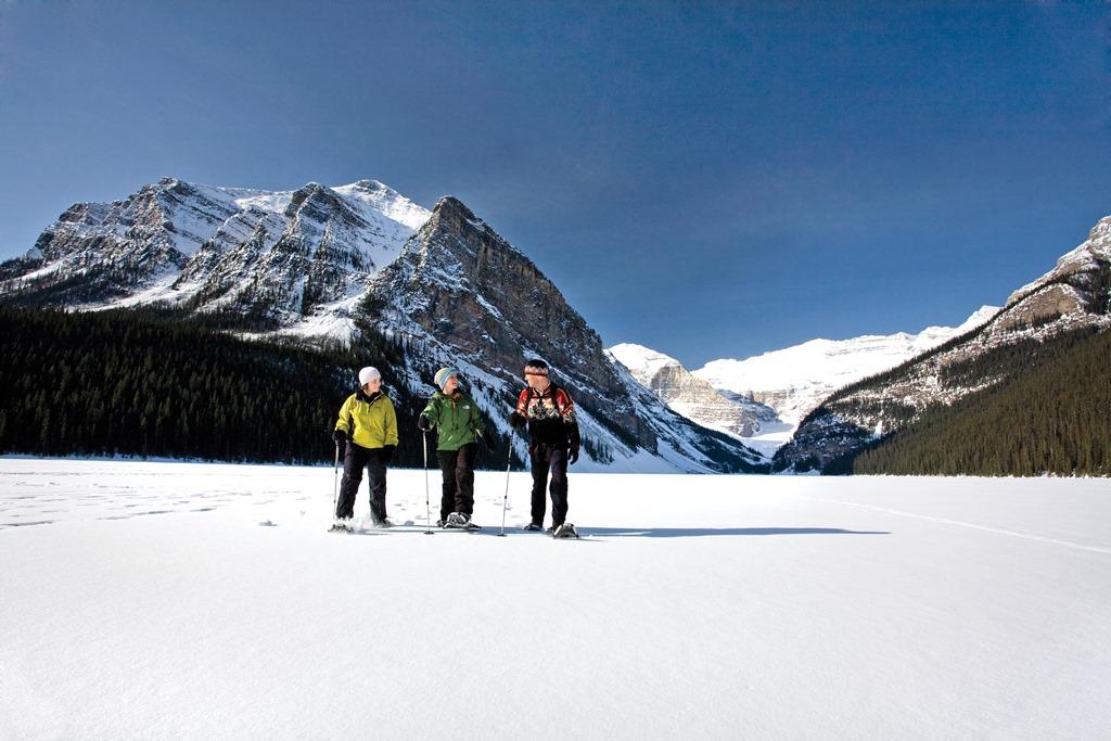 白銀のレイクルイズ(@Banff Lake Louise Tourism)
