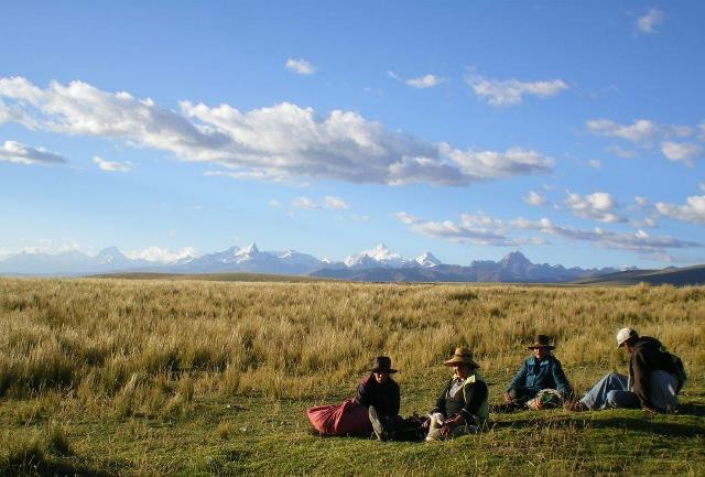 コノコーチャ峠付近から広がるワイワッシュ山群のパノラマ(2日目)