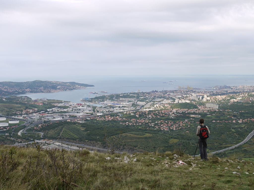 アドリア海とトリエステの街をのぞむ展望地へ(8日目)