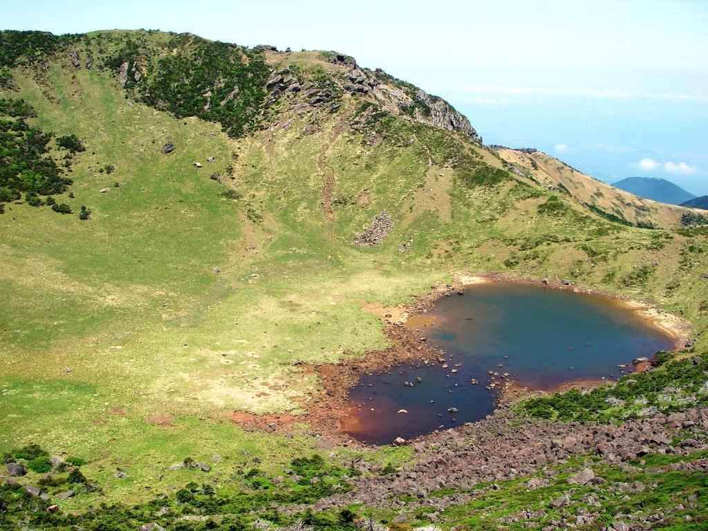 漢拏山のカルデラ湖・白鹿潭(ペンノクタム)