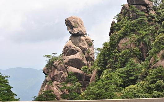 三清山を代表する怪石・東方女神