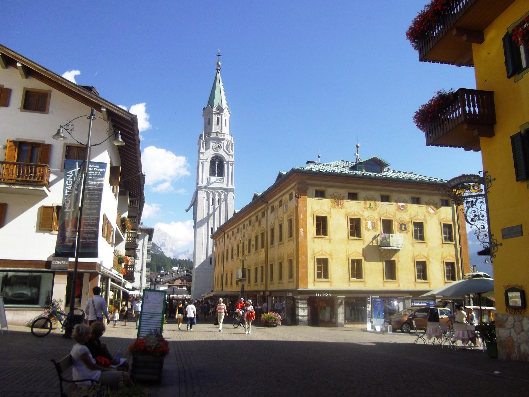 コルチナの街