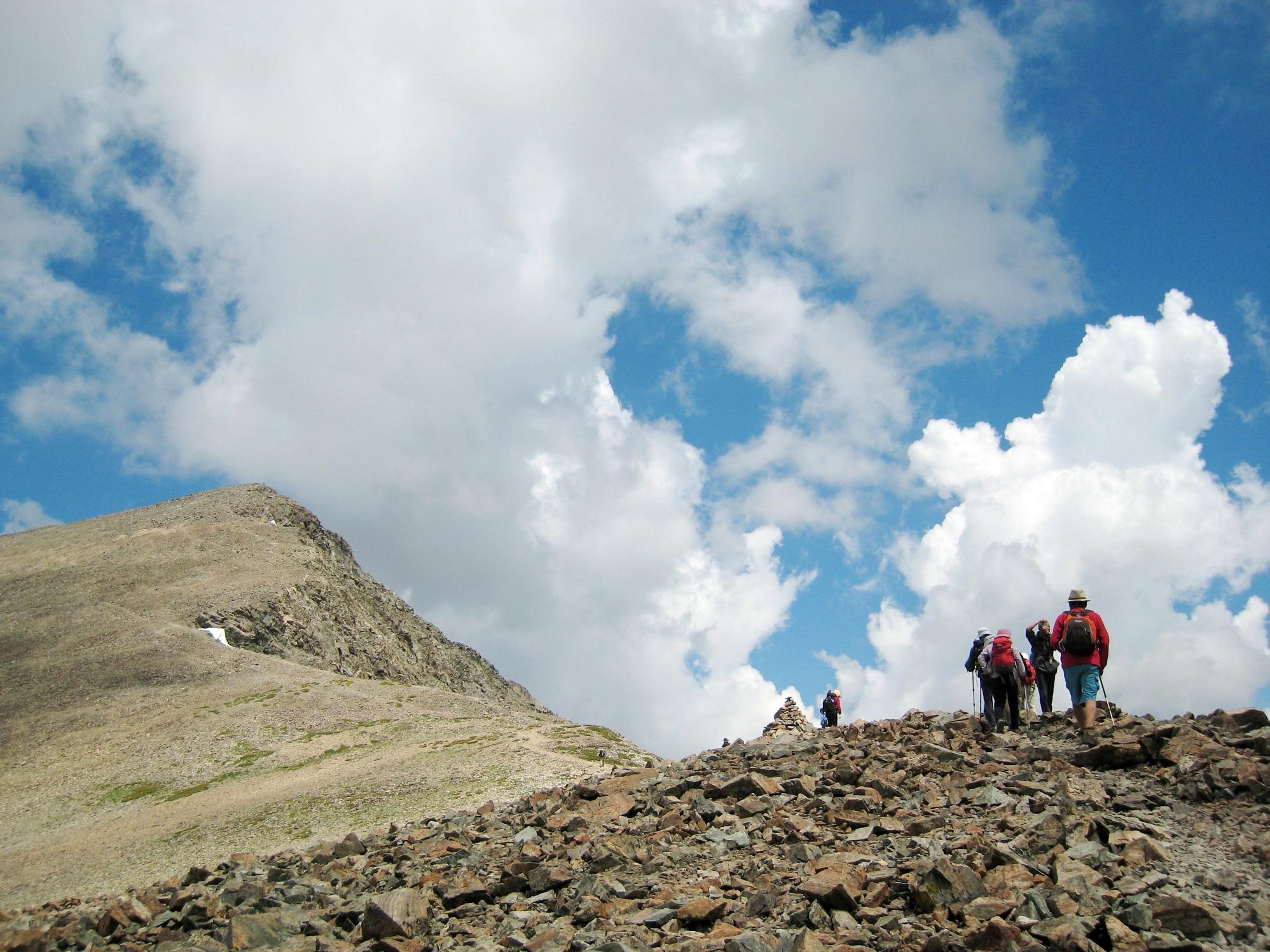 トレイズピーク(4,347m)を目指して