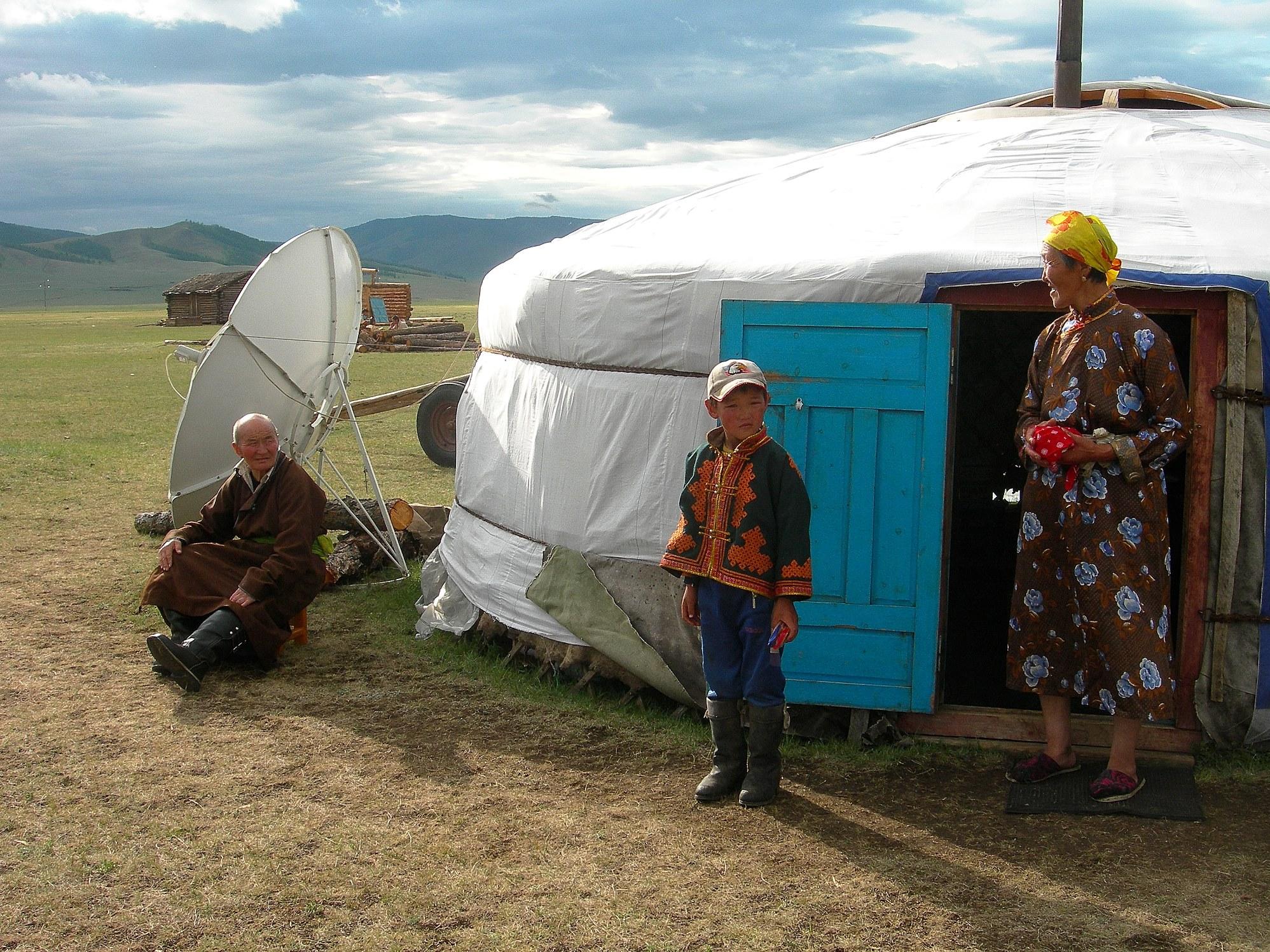 遊牧民のゲルを訪問(4日目)