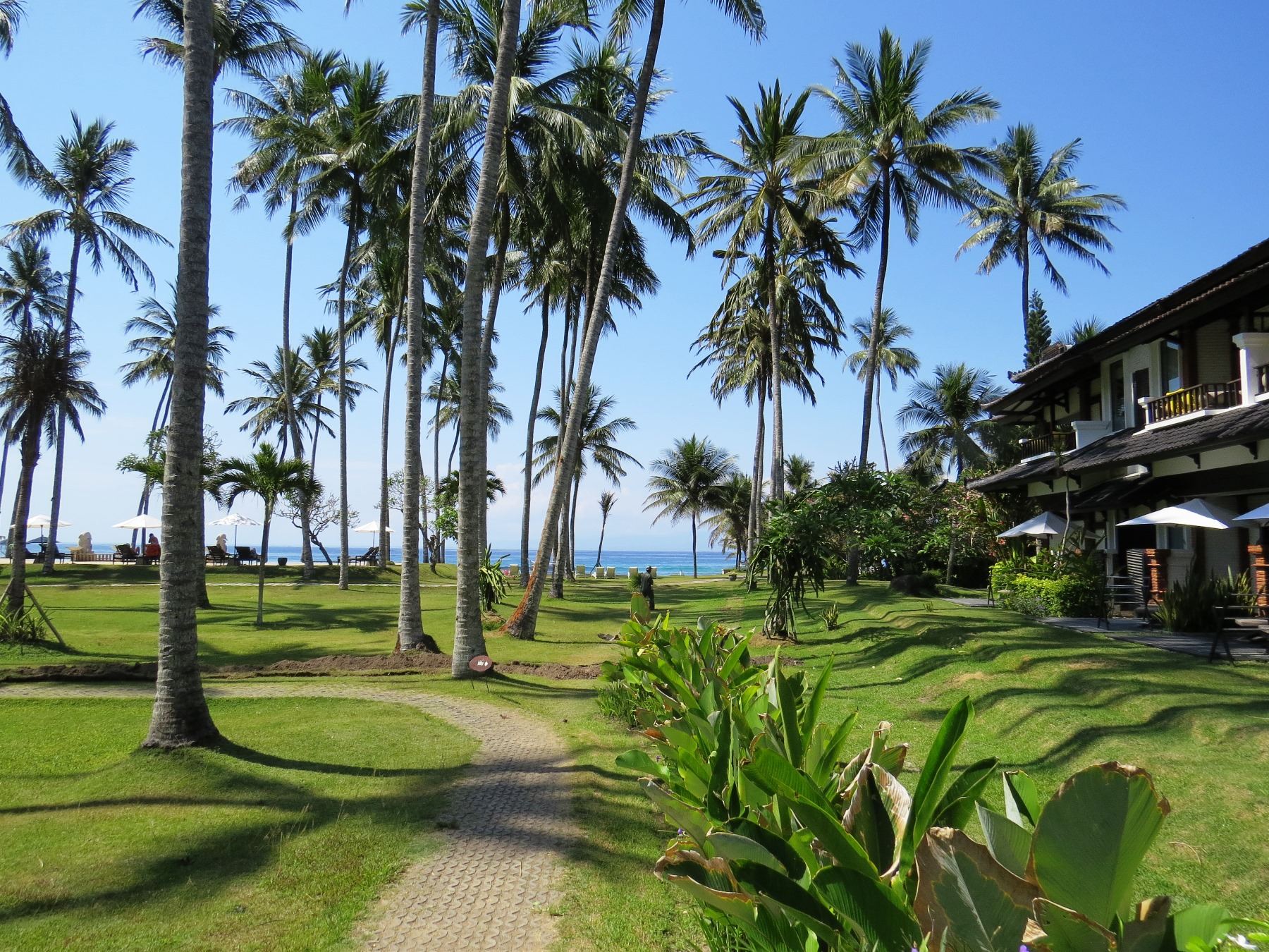 チャンディダサの快適なビーチリゾートに3連泊