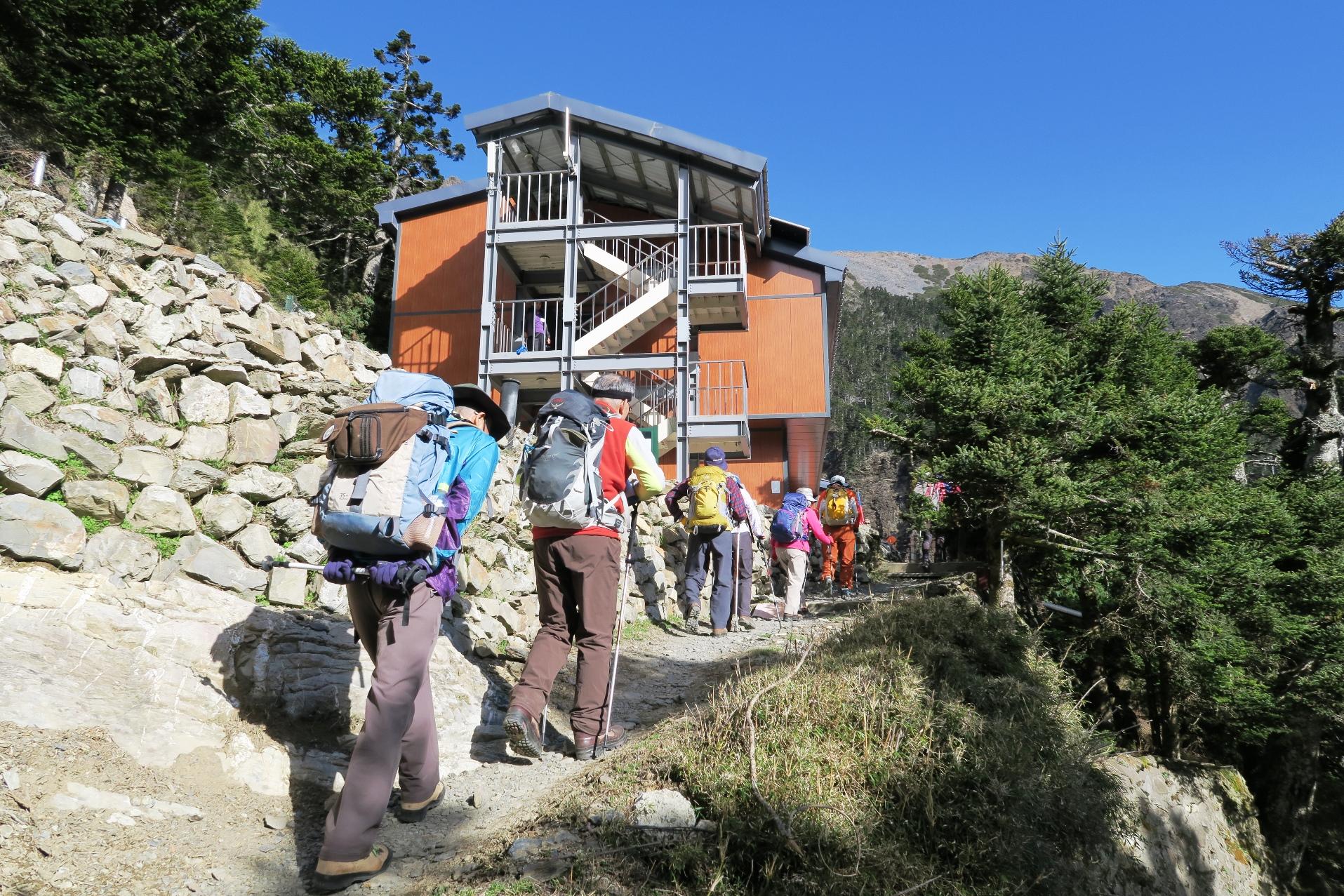 玉山登頂のベースとなる排雲山荘