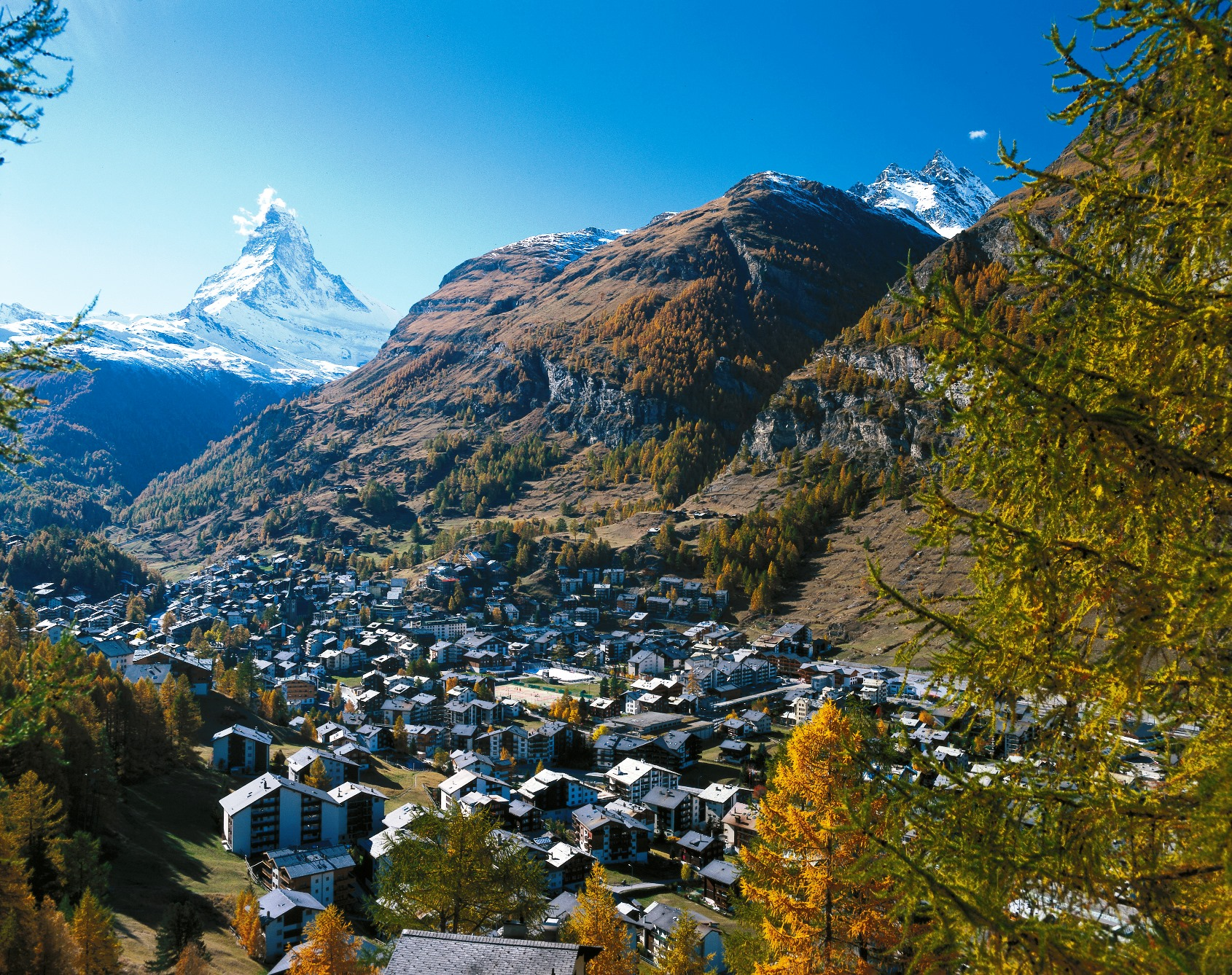 ツェルマットの街と名峰マッターホルン