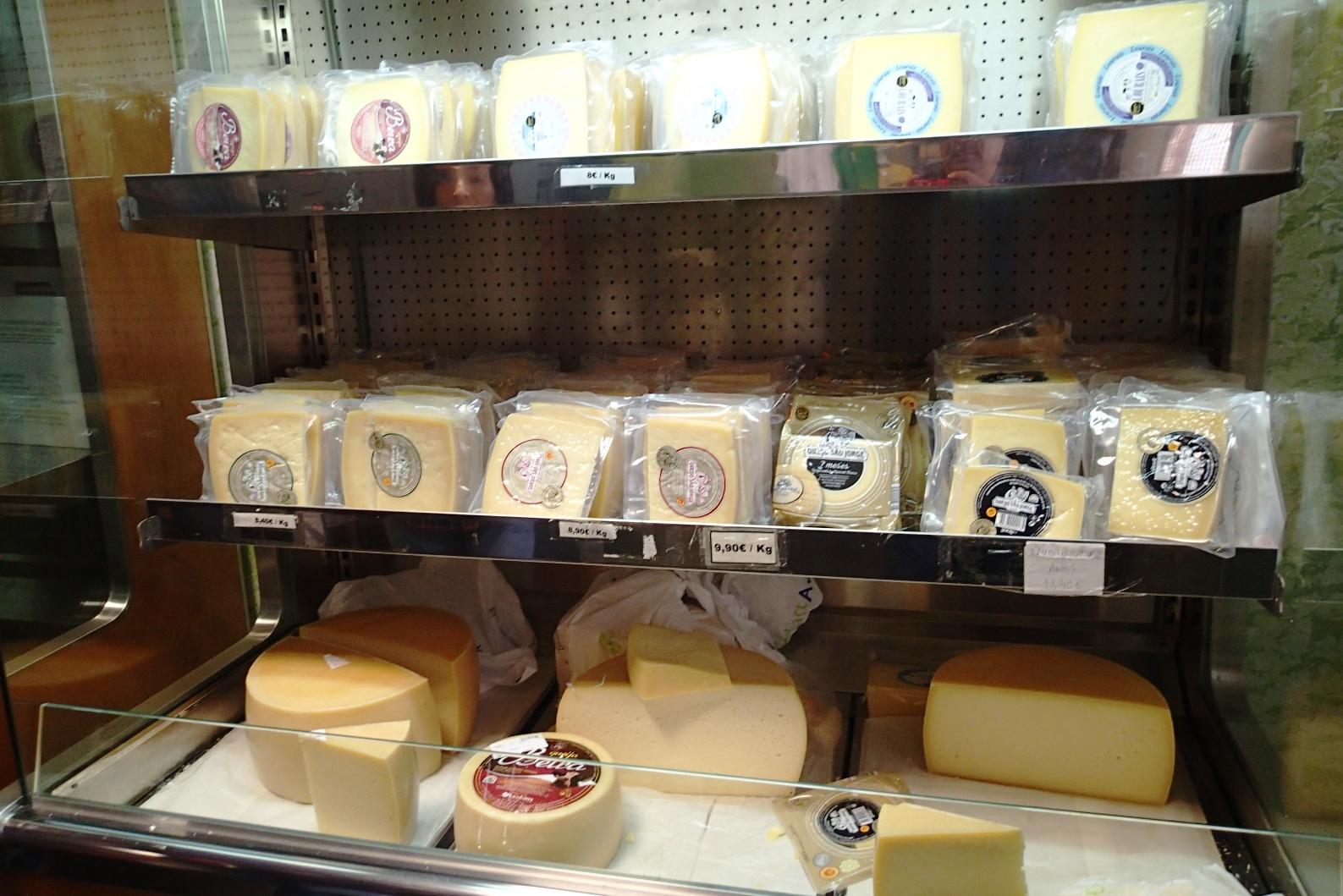 サン・ジョルジ島のチーズは絶品