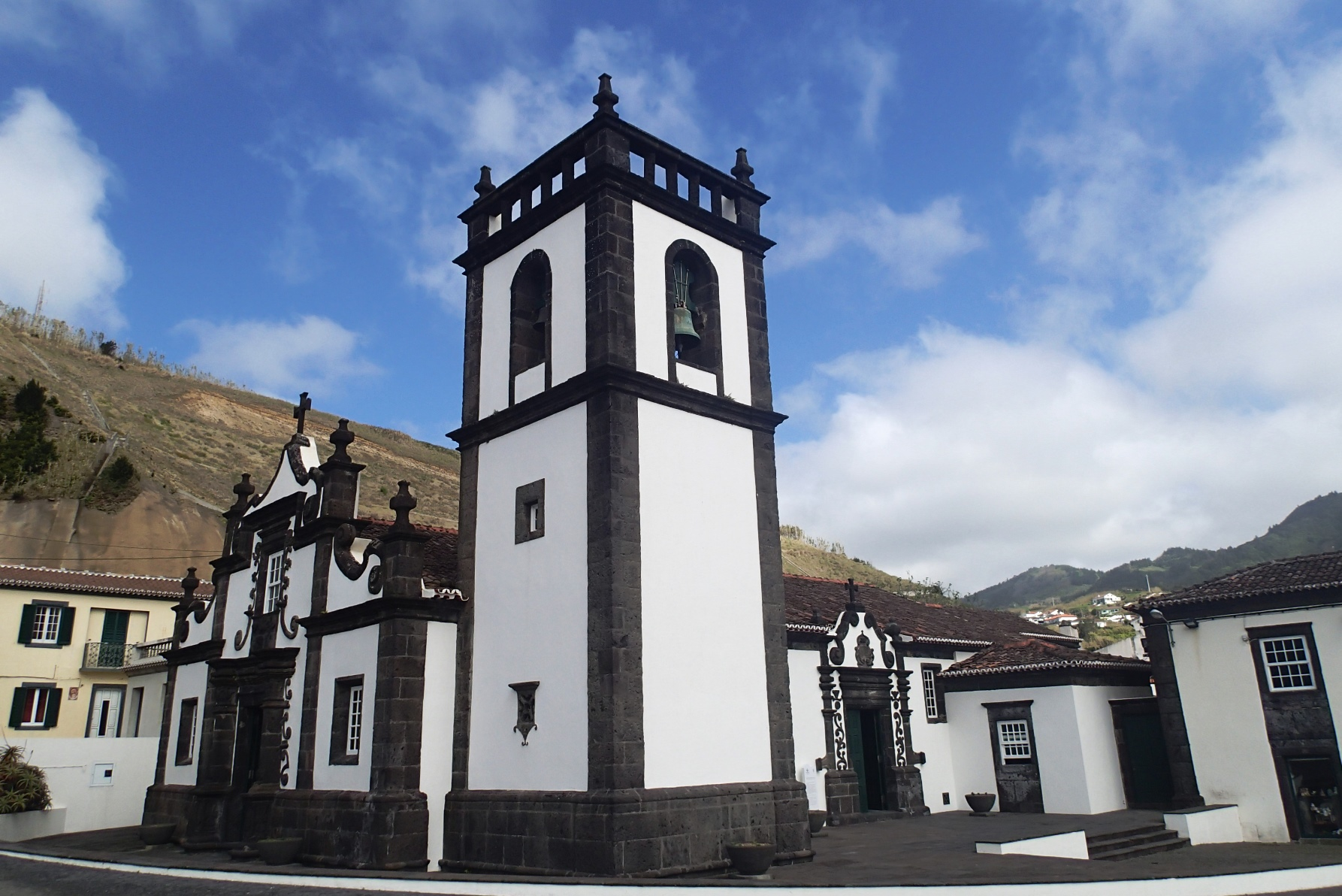 コロニアル様式の建築物