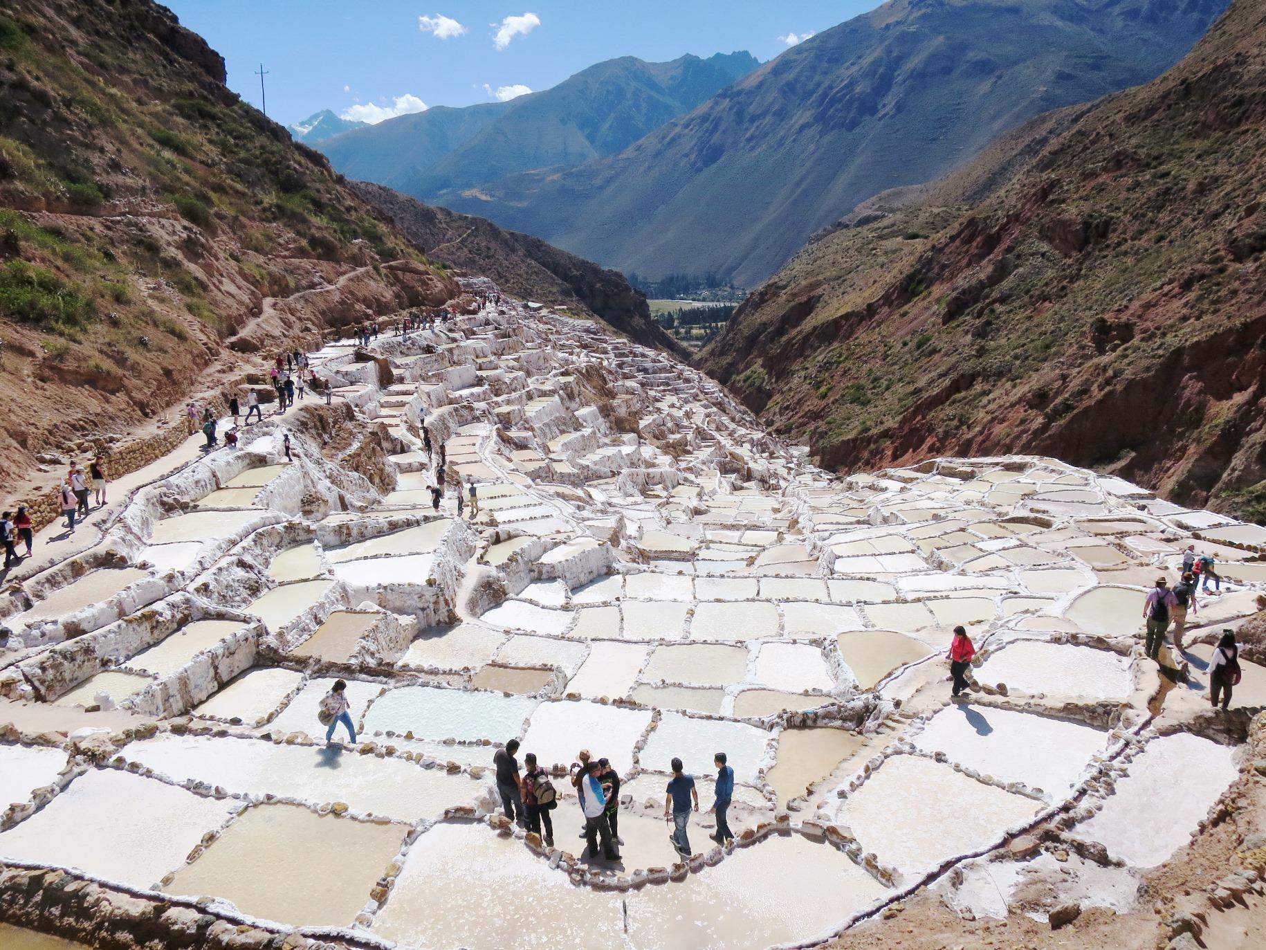 マラスの塩田で採れた塩はお土産にも最適