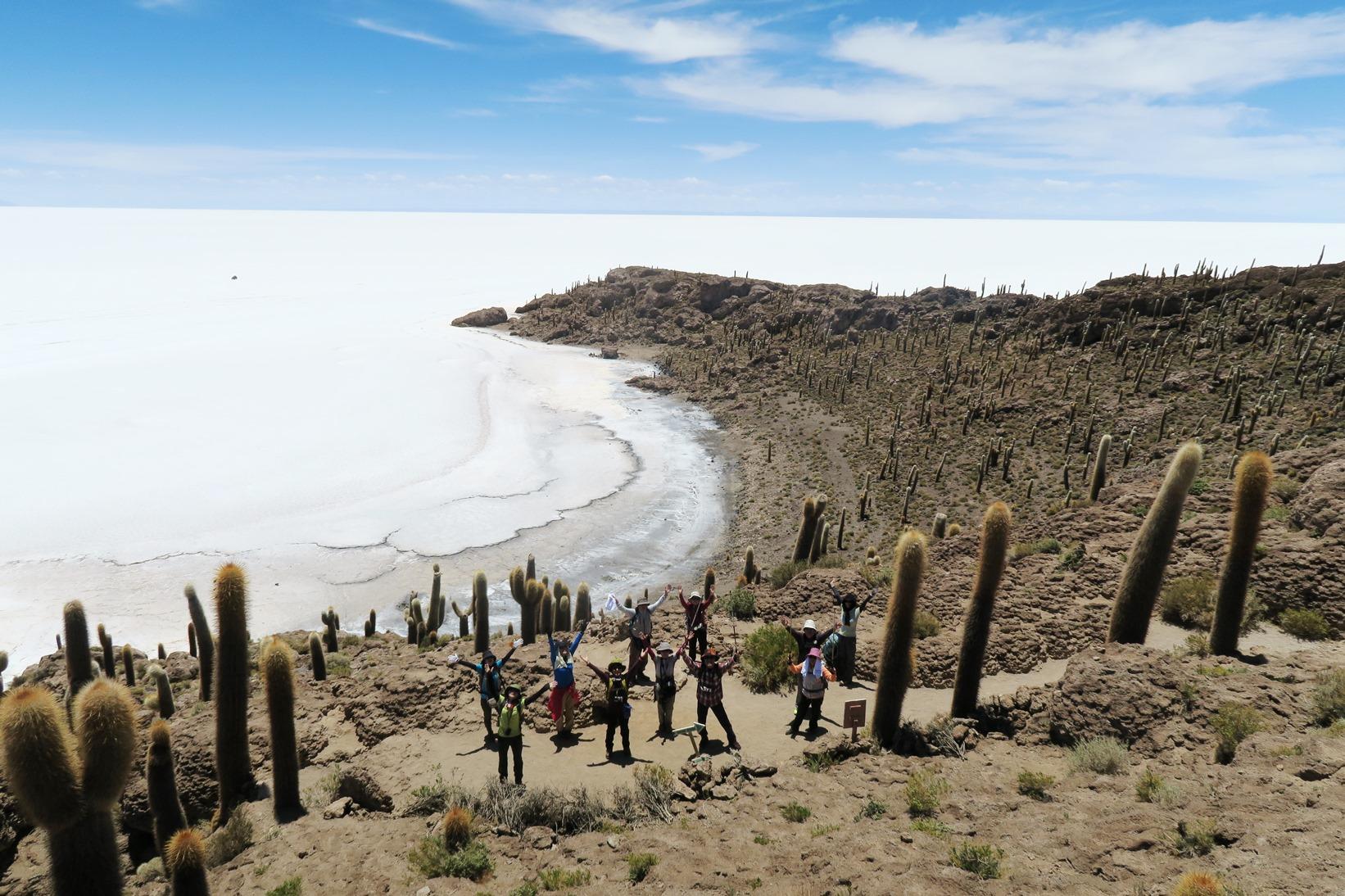 ウユニ塩湖のまん中にあるインカ・ワシ島