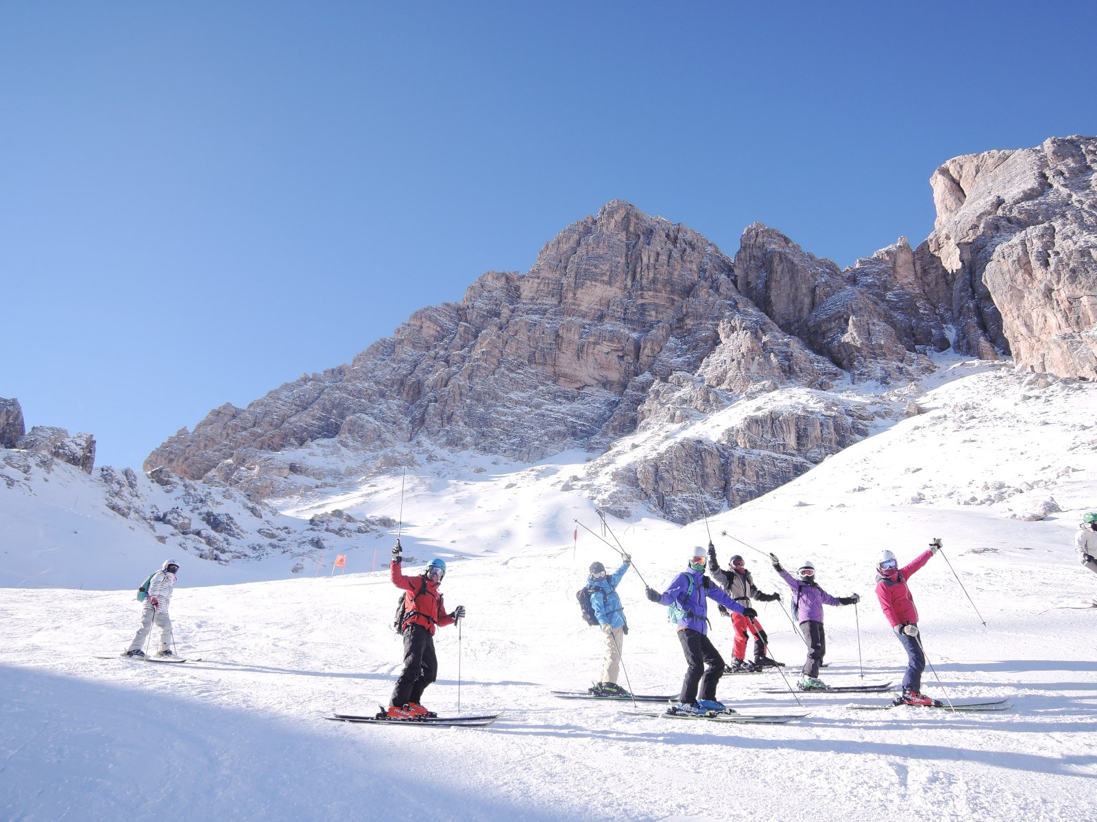 大迫力の岩峰群を眺めながらスキーを満喫