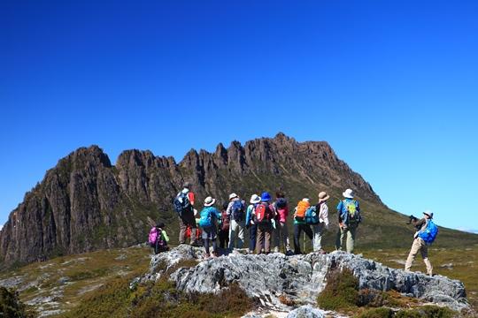 タスマニア島を代表する象徴的な山・クレイドルマウンテン(1,545m)周辺でハイキング(7日目)