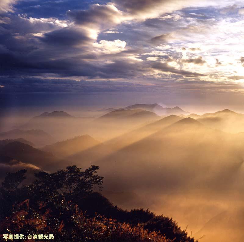 阿里山で迎える御来光(イメージ)